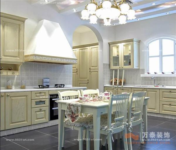 橱柜布局根据厨房的情况可采用下列方法:单列式,对列式,l形,u字形,岛