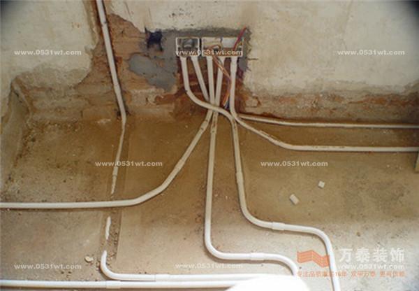 电路图,洁具提供给排水安装尺寸,较复杂的应通知对方到现场与水电施工