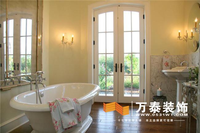 卫生间的主灯和排风扇的开关一般在卫生间的门外边