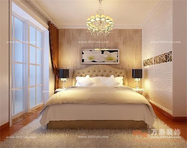 浅色木地板,米色地毯,通透的大窗户