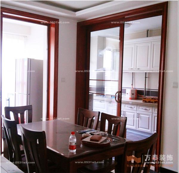 龙泉山庄装修实景图欣赏 简约欧式 四室两厅一厨两卫改造装修设计欣赏高清图片