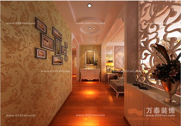 在设计的过程中,主卧以定制式大壁橱为主