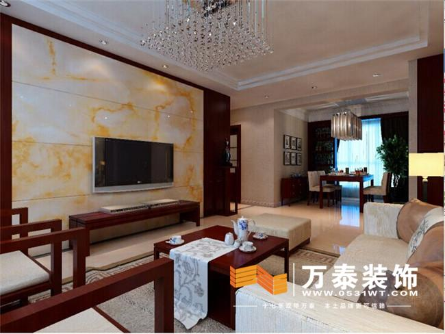 壁纸和胡桃木色饰面板等材料