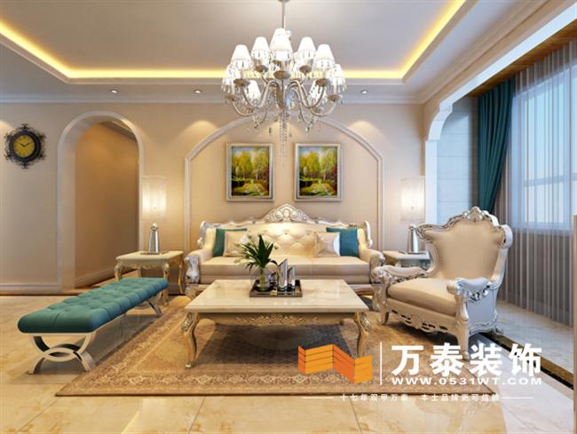 设计说明:本案位于济南华润中央公园,本设计方案中采用宽大精美造型优雅的家具,配以精致的雕刻,整体营造出一种华丽、高贵的感觉,让人想起中世纪都铎王朝的贵族生活。宝石蓝和棕色的配饰,衬托出简欧家具的高贵与优雅,赋予古典美感的窗帘和地毯、造型古朴而华丽的水晶吊灯使整个空间美仑美奂富有韵律。