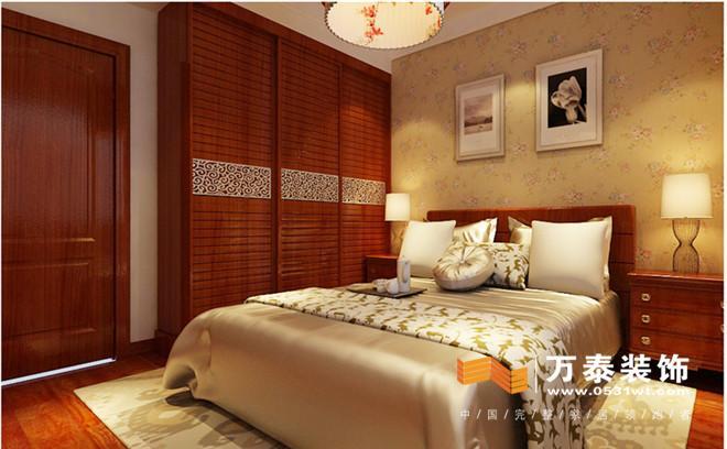 本案位于盛景家园,中式风格,设计师是以宫廷建筑为代表的中国古典建筑的室内装饰设计艺术风格,气势恢弘、壮丽华贵、高空间、大进深、雕梁画柱、金碧辉煌,造型讲究对称,色彩讲究对比,装饰材料以木材为主,图案多龙、凤、龟、狮等,精雕细琢、瑰丽奇巧。本案的设计以人为主突出空间的氛围,在做设计方案布局时,从分考虑到业主的需求,根据本案的位置及小区定位,定义设计中式风格。客户在来设计效果时,进行了很长时间的交流,入户的使用及衣帽柜的整体设计,肯定一点就是最大化利用,所以设计的时候入户采用整体设计为主,映入眼帘的稳重大气。