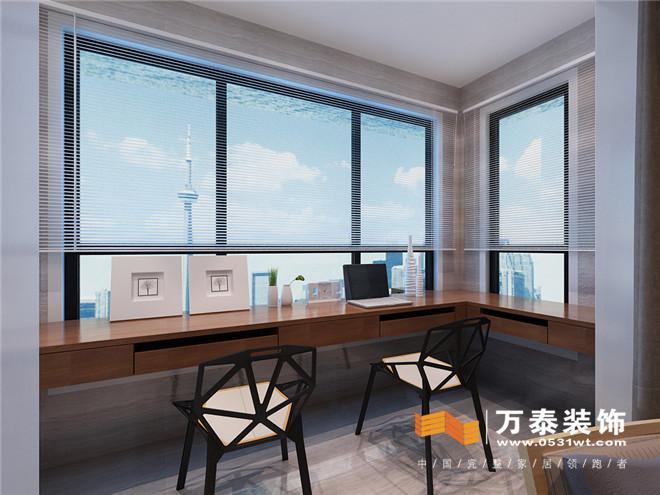 阳台是半工作区,大大的落地窗户美美的阳光,生活的气息.