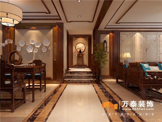 本案位于映月清水湾,三室两厅户型,新中式风格。新中式设计风格更多是一种文化的传承和韵味的内在表现。客餐厅整体空间装饰都采用简洁简约的直线条,干净随性,无论是家具、装饰、还是硬装的处理,都迎合了现代人对中式家具追求的内敛,质朴风格,使新中式看起来更加实用、富有现代感,雅致的氛围,历史的情怀,时尚的气息使得这里散发着一种个性与共性、复杂与多元并存的集古气质,因此我们也将把这种东方空间的气质美学与居住业主的品味需求共融共生。大而不空,厚而不重,有格调又富有艺术气息